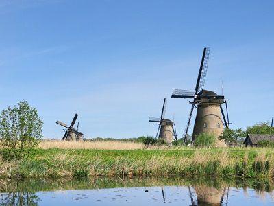 リースと風車